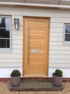 Oak Front Door stunning hardware
