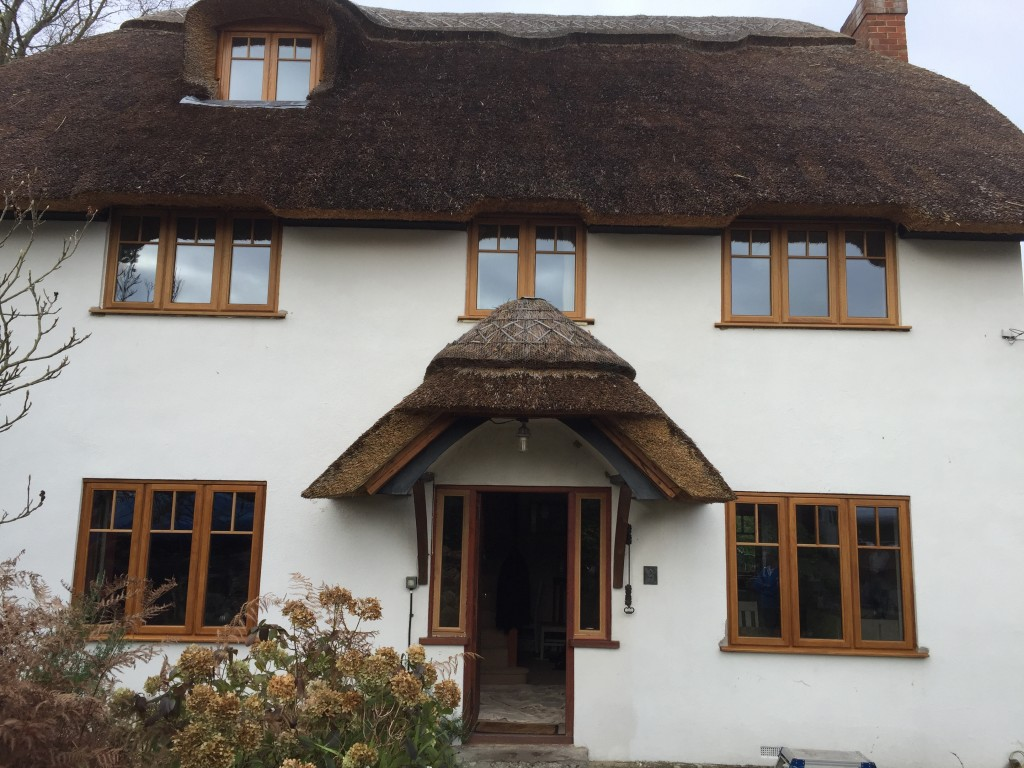 new product 8a436 ac3d3 Updating a New Forest thatched Cottage with Solid Oak ...
